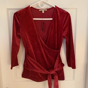EXPRESS Ribbed Velvet Wrap Front Tee Red Size S